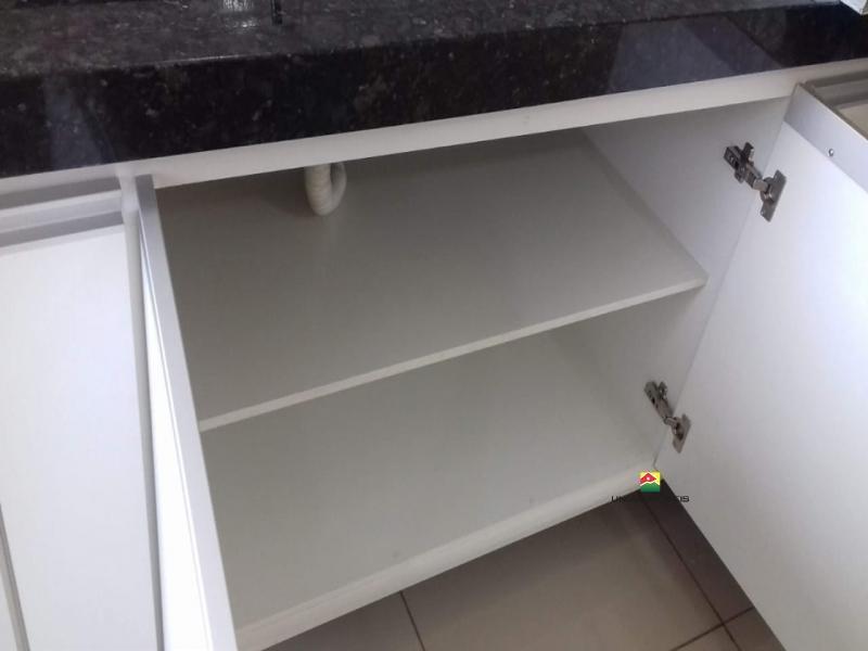 http://www2.sgn2.com.br/clientes/itirapina/vda/v2442a.jpg